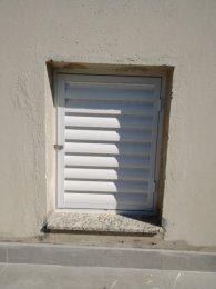 Portinhola Caixa D'água em veneziana ventilada linha 2.0